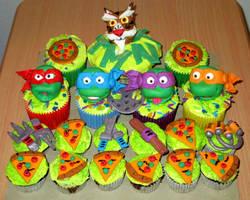 Teenage Muntant Ninja Turtles Cupcakes by ToughSpirit