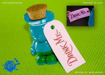 Vinylmation - Drink Me Bottle by Mametchi