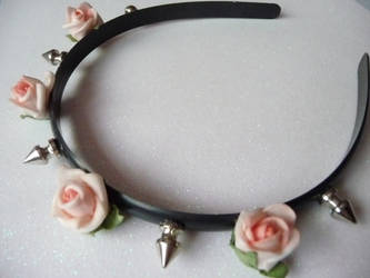 Spiked headband with pink flowers by Pastelhorror