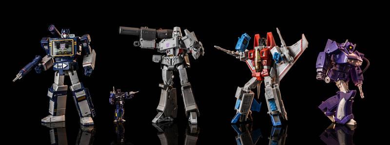 Masterpiece Decepticons - Strike a Pose!