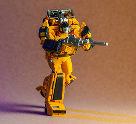 MP-39 Sunstreaker