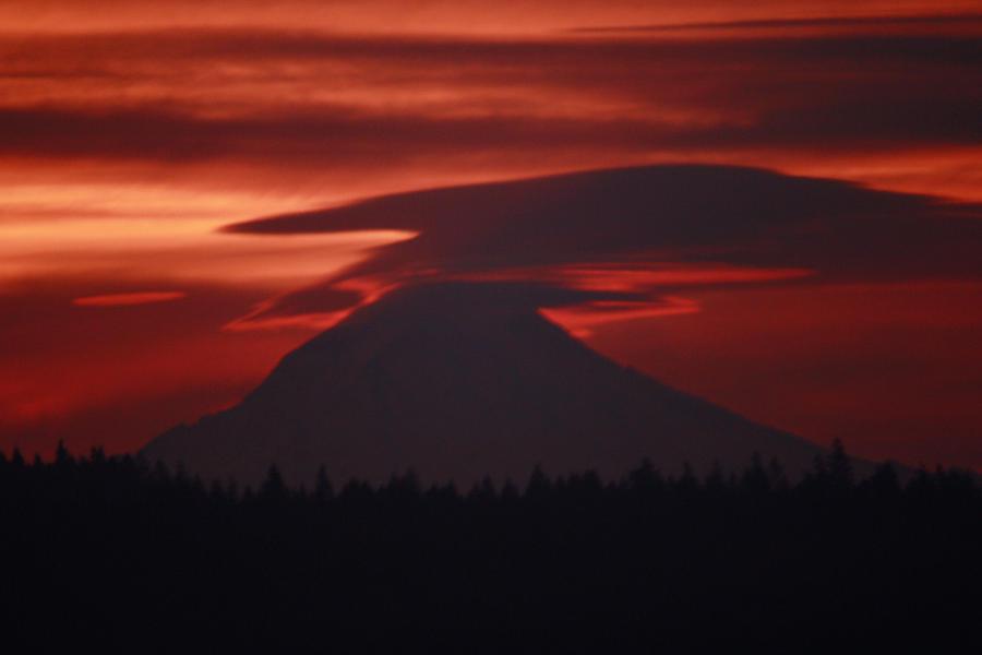 Bleeding Mountains by BlueDragonRose