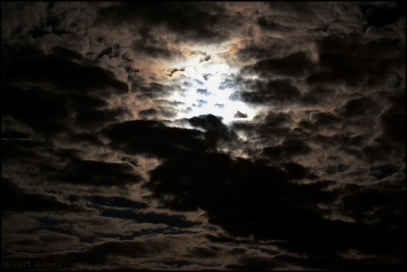 Photo- Enlightened clouds by the Moon by Ennete