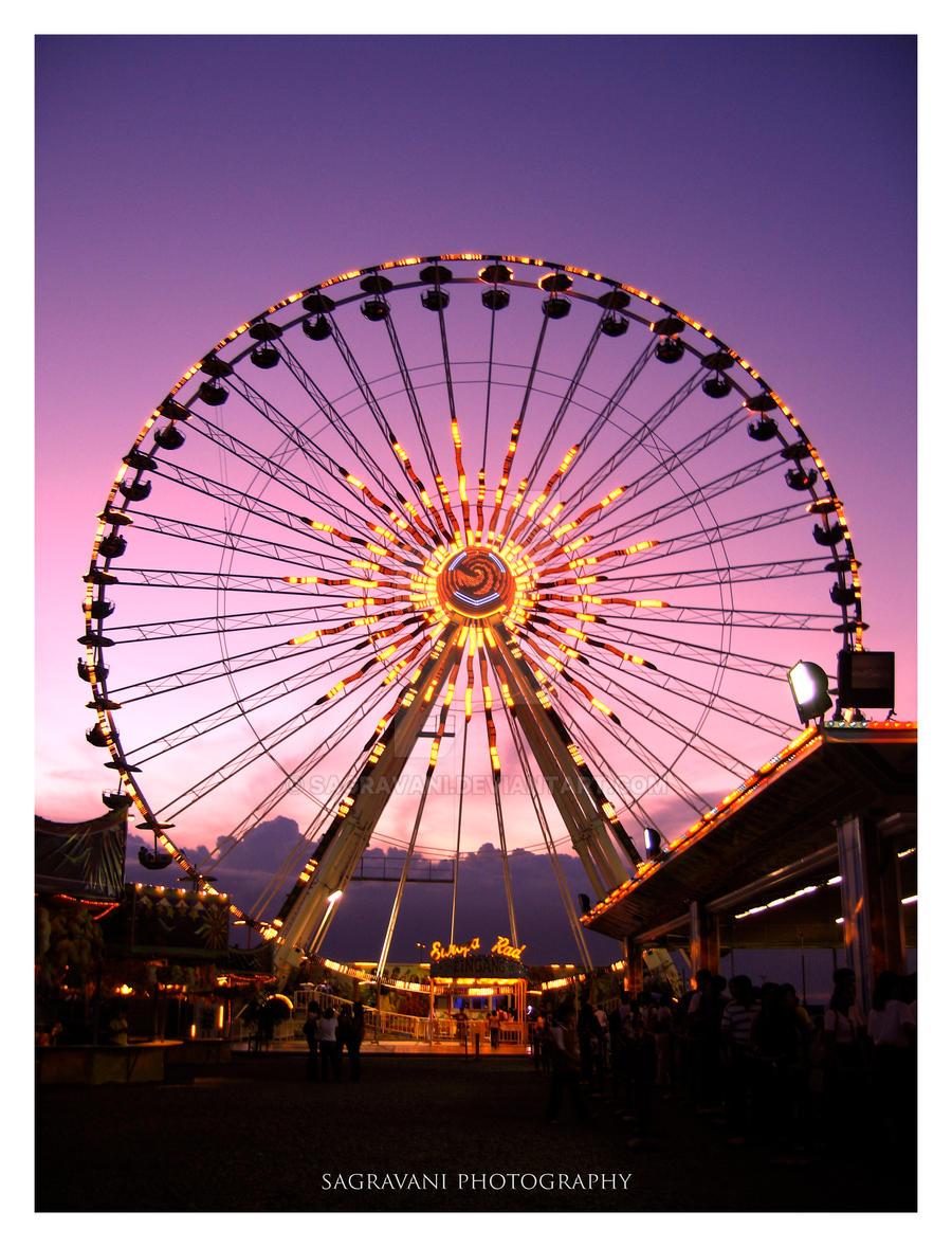 Ferris Wheel by sagravani
