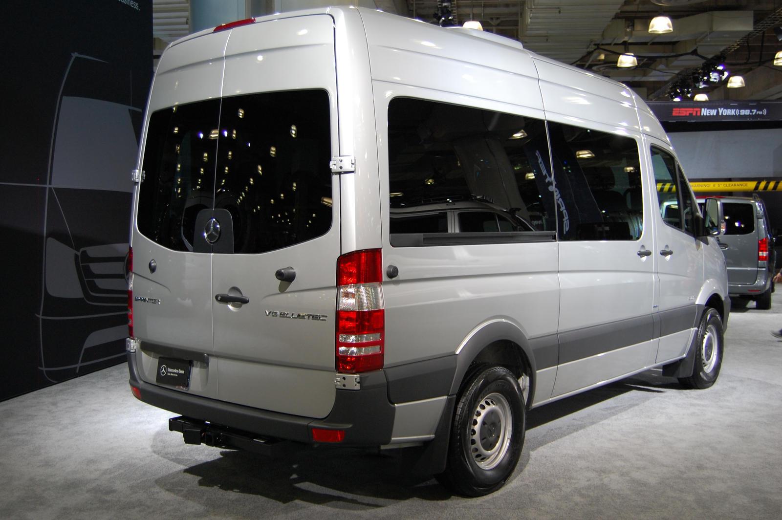 mercedes benz sprinter 2500 passenger van ii by hardrocker78 on deviantart. Black Bedroom Furniture Sets. Home Design Ideas