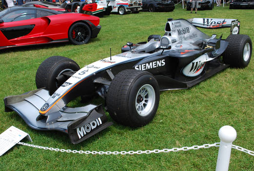2004 McLAREN MP4-19 F-1 Race Car (II)