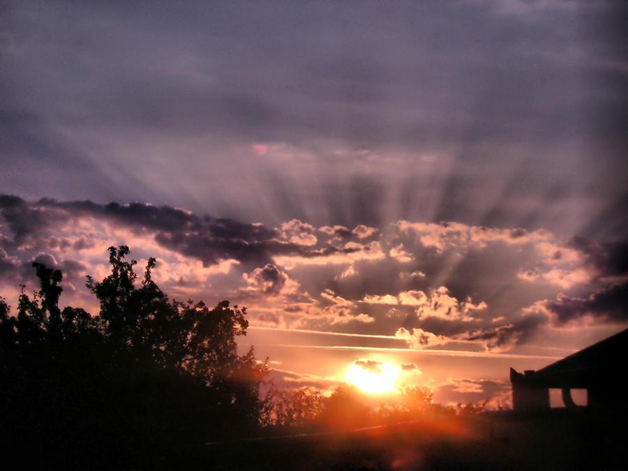 Zalazak sunca-Nebo - Page 2 Crown_by_Ojika