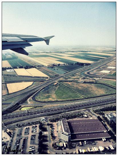 Airplane by nomasterpiece