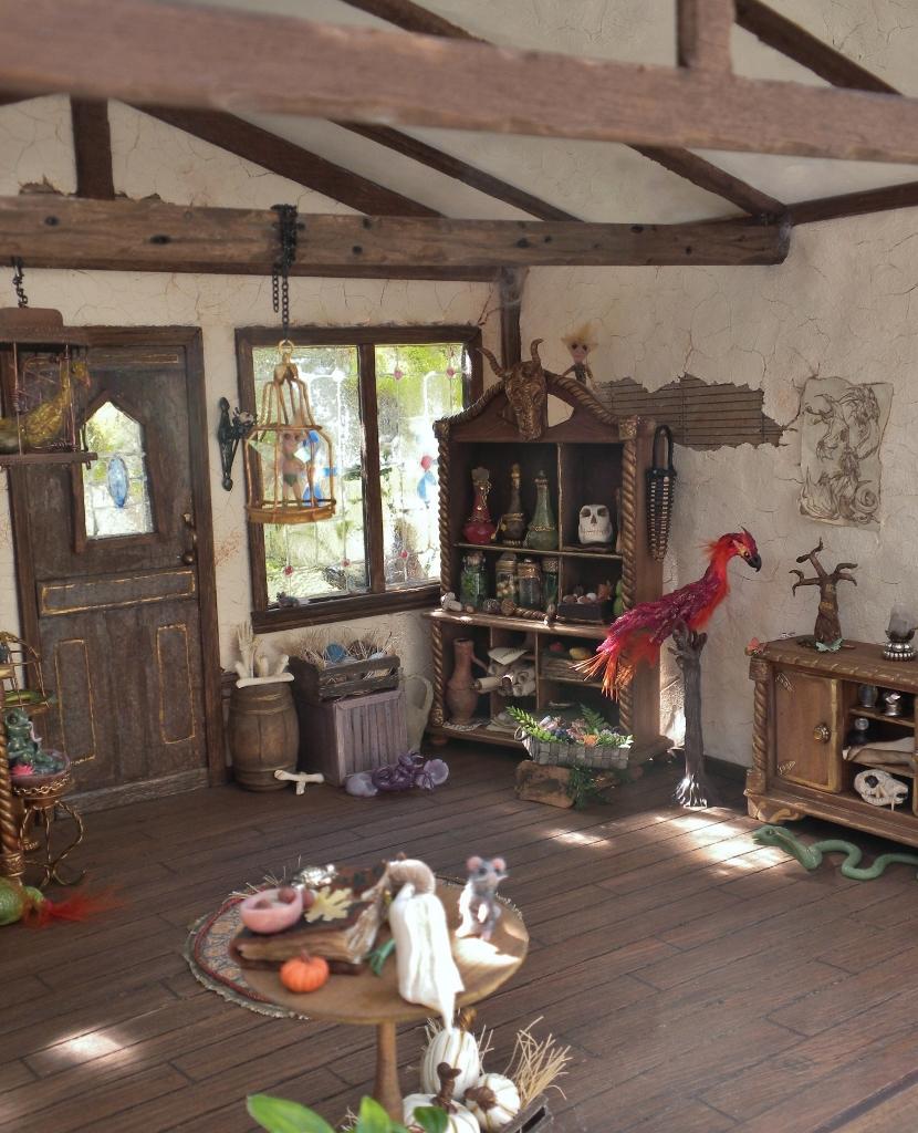 Treetop Creature Shop interior details 3 by Minifanaticus