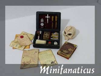 Vampire Hunter Set by Minifanaticus