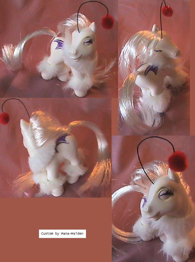 Moogle pony commission by LightningSilver-Mana