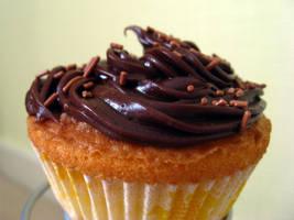 Chocolate Cupcake by ai-chyan