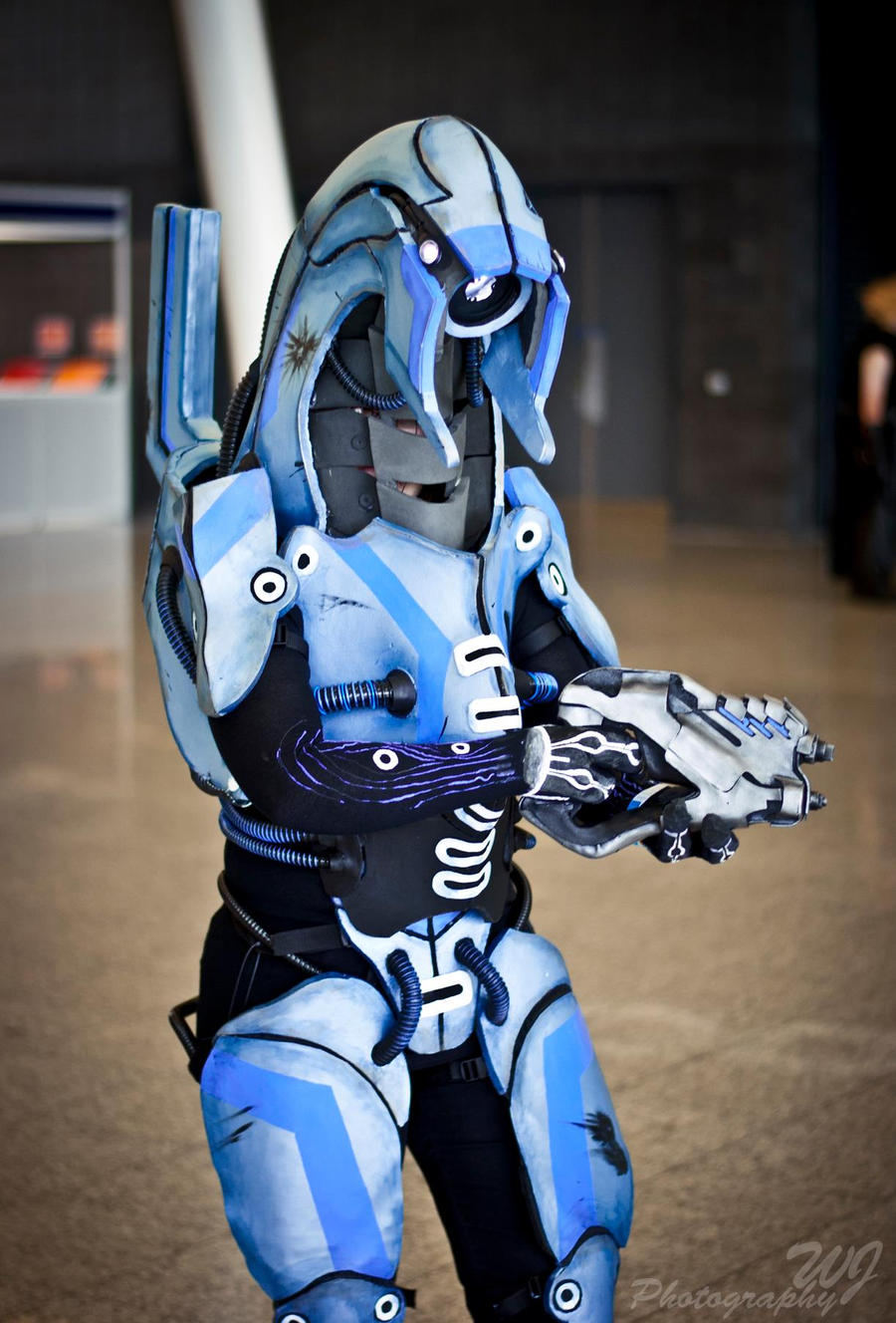 Geth- Mass Effect Cosplay MCM October 2012 by PixelMecha