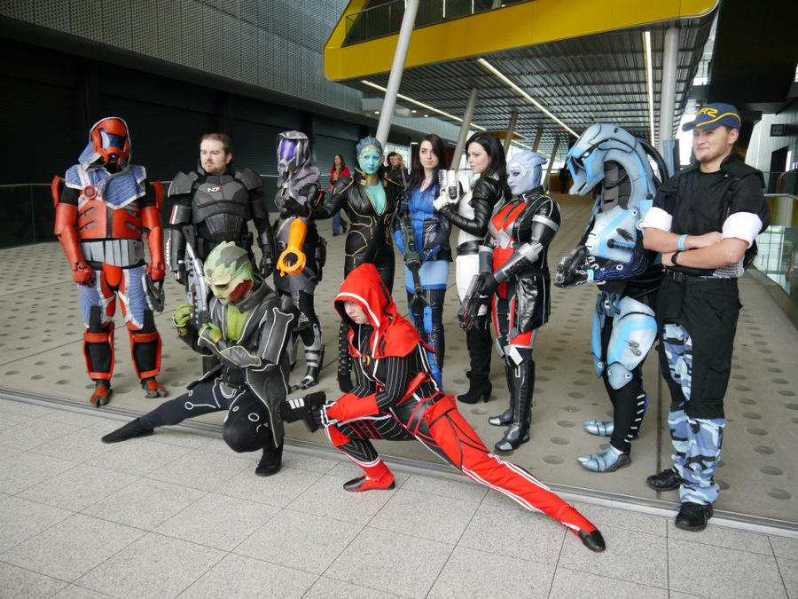 Mass Effect cosplay group shot-  MCM October 2012 by PixelMecha