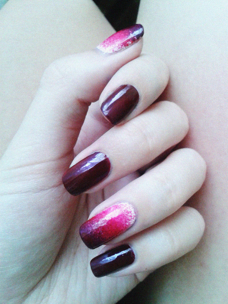 and I love to paint on nails) by Poplavskaya