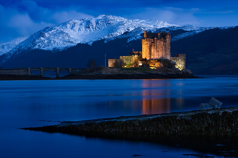 Eilean Donan Castle at Night by Waylandscape