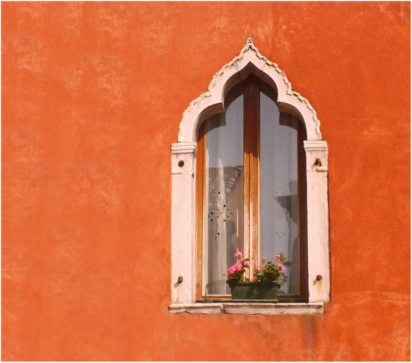 Orange house by kponge