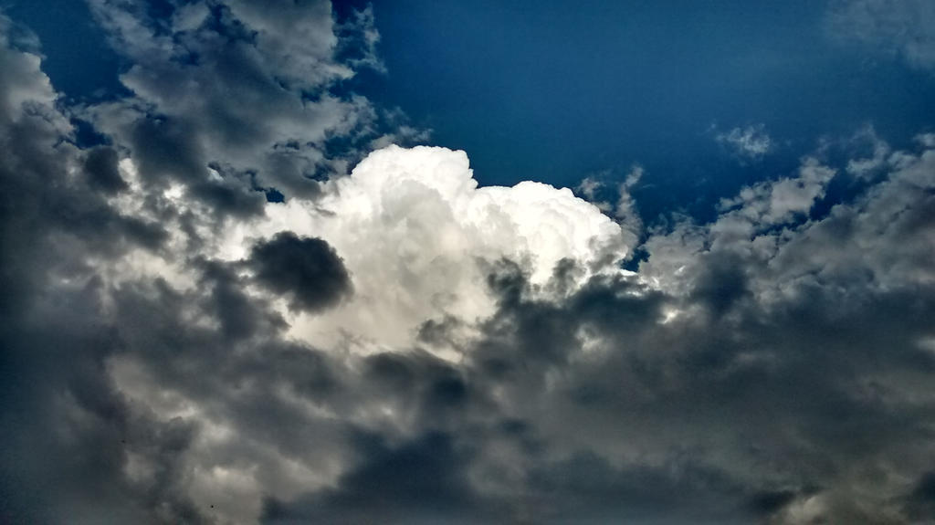 Storm Clouds by fotomedic