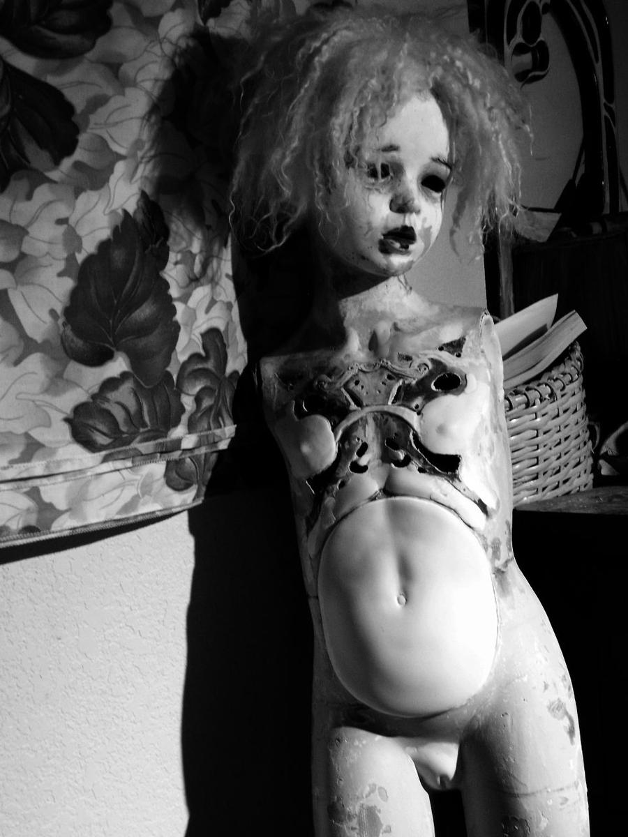 Francine chest peircing by Sleetwealth