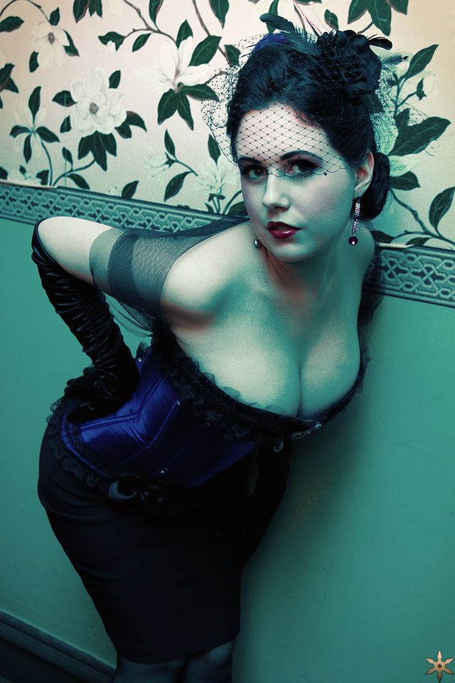 dita - halloween by klytae