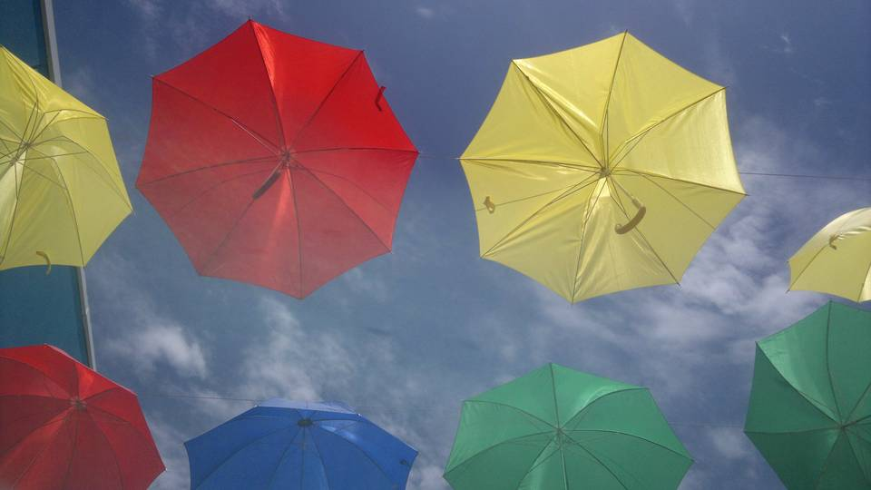 Umbrella V by eldesastredemaria