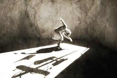 dancing7 by sheyciiim