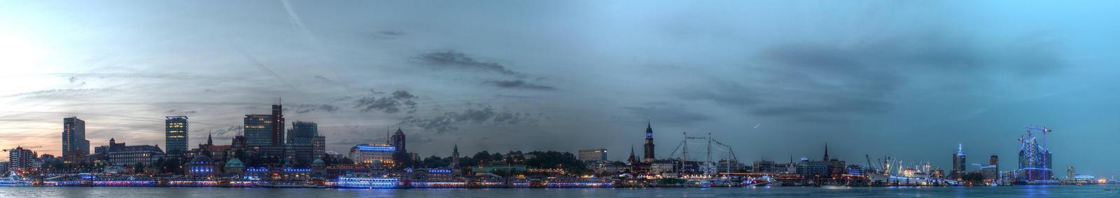 Blue Habor - Hamburg Elbbruecken by TiKy2010