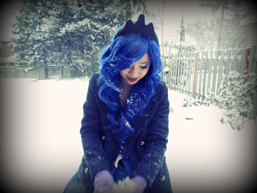 snow_luna_by_cookiecrisis-d75jspp.jpg