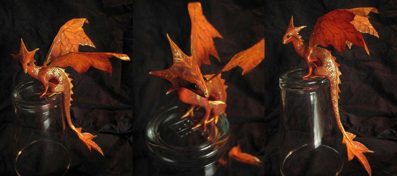 Tiny autumn dragon by earfox