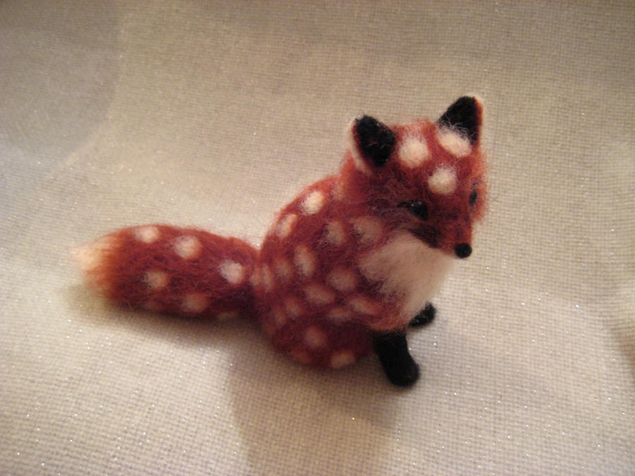 Needle felted Polka Fox by earfox