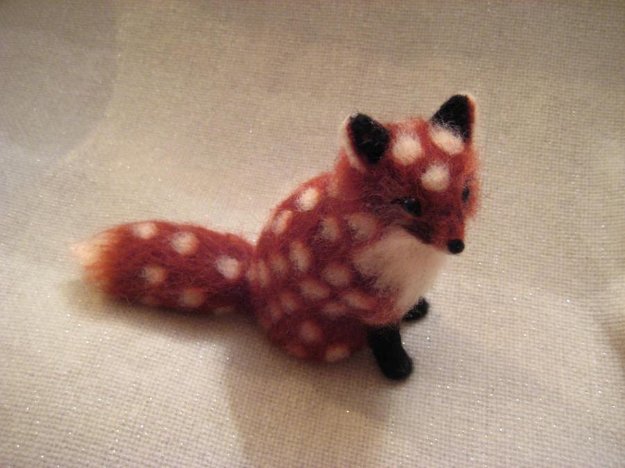 Needle felted Polka Fox by earfox