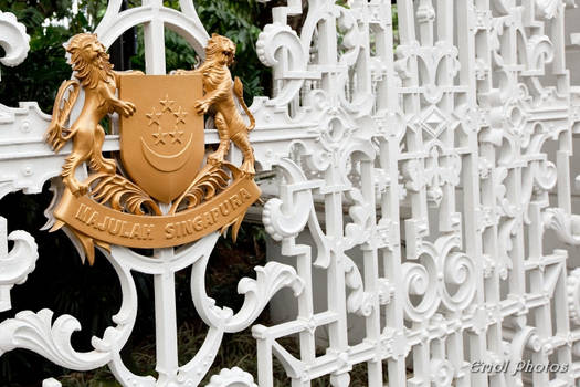 Crest and Gate