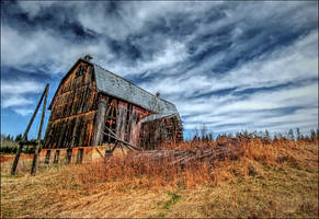 The Barn on the Hill by wb-skinner
