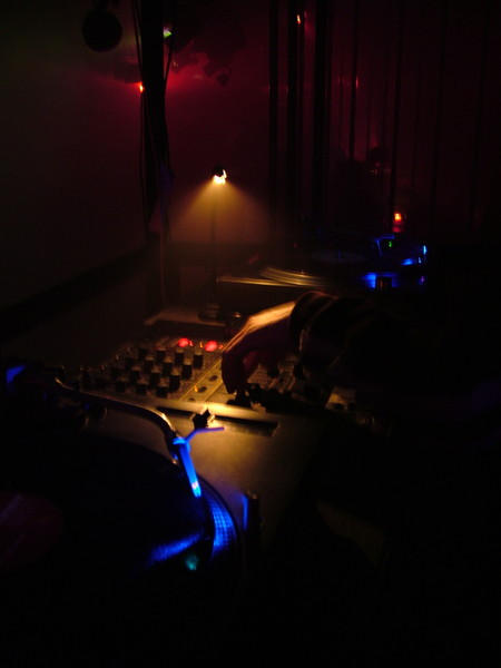 Spotlight on the DJ's Hand by deelkar