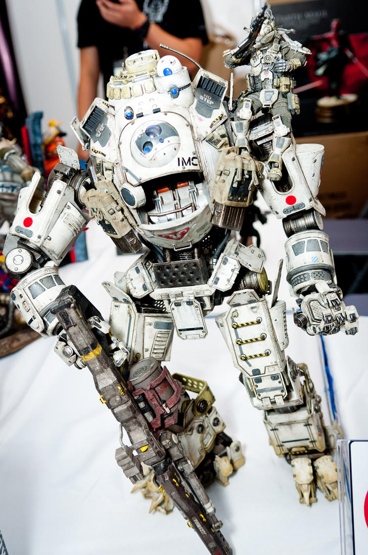 Threezero 1/12th scale Titanfall Atlas by Etherien