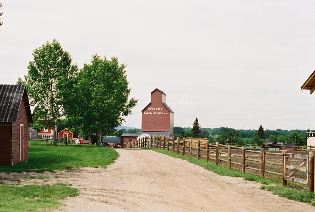 Southwest Canadian Farmland by Texas1964