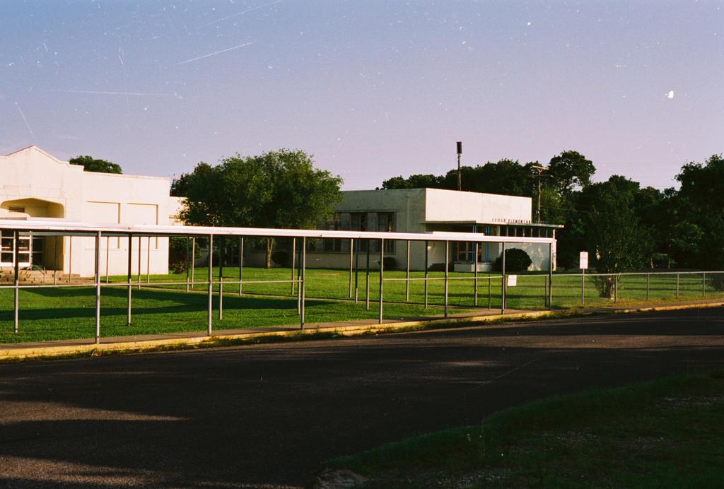 Lamar Elementary School by Texas1964