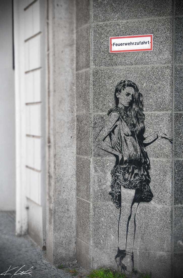 Berlin Girl by Luxxs