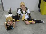 Kagamine Twins by writingpikachu