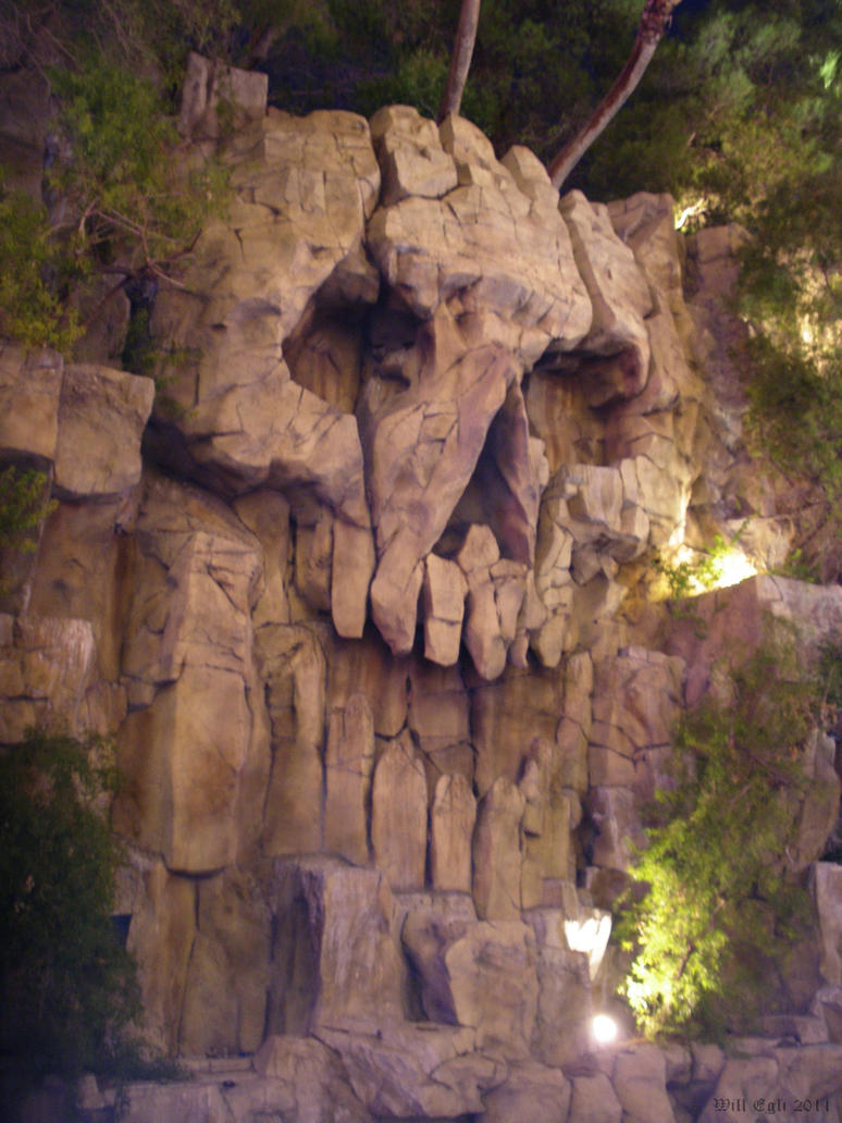 Pirate Rock Skull by SurfTiki