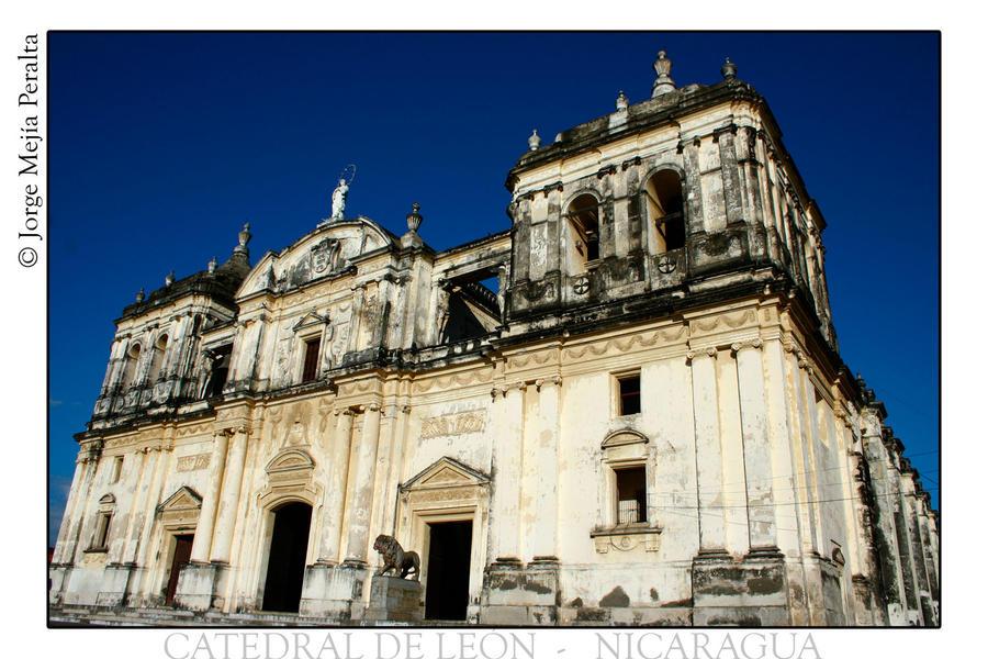 Catedral de Leon amplia by mejia