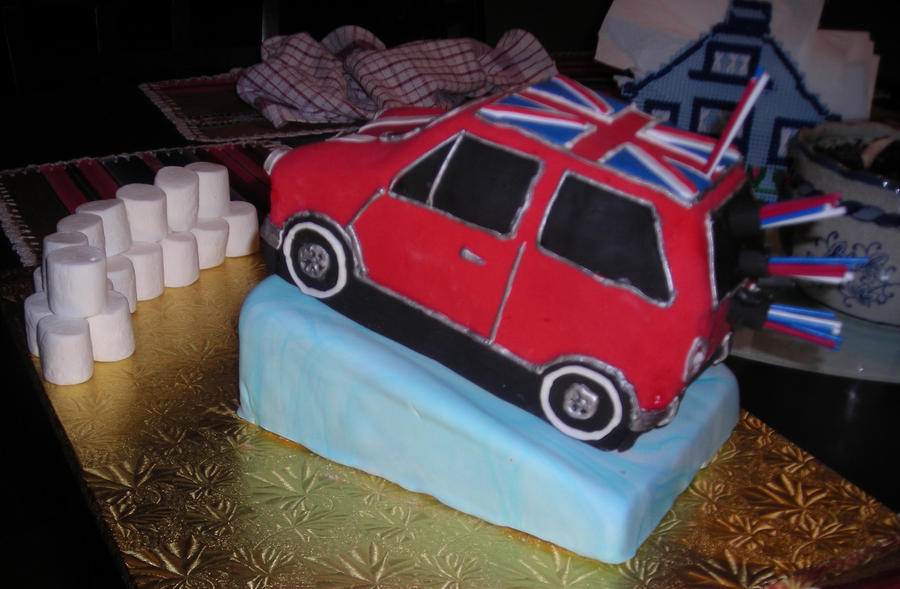 Mini Cooper Cake by hobbitchef