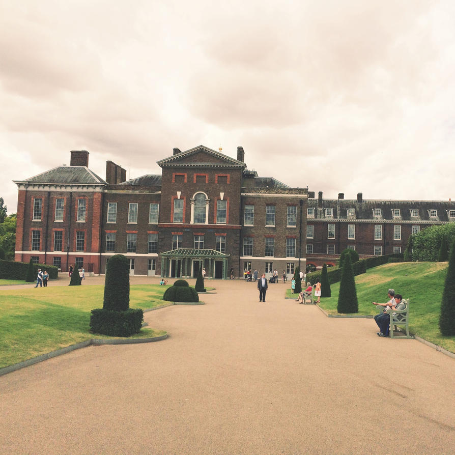 Kensington Palace by Luthienmisery29
