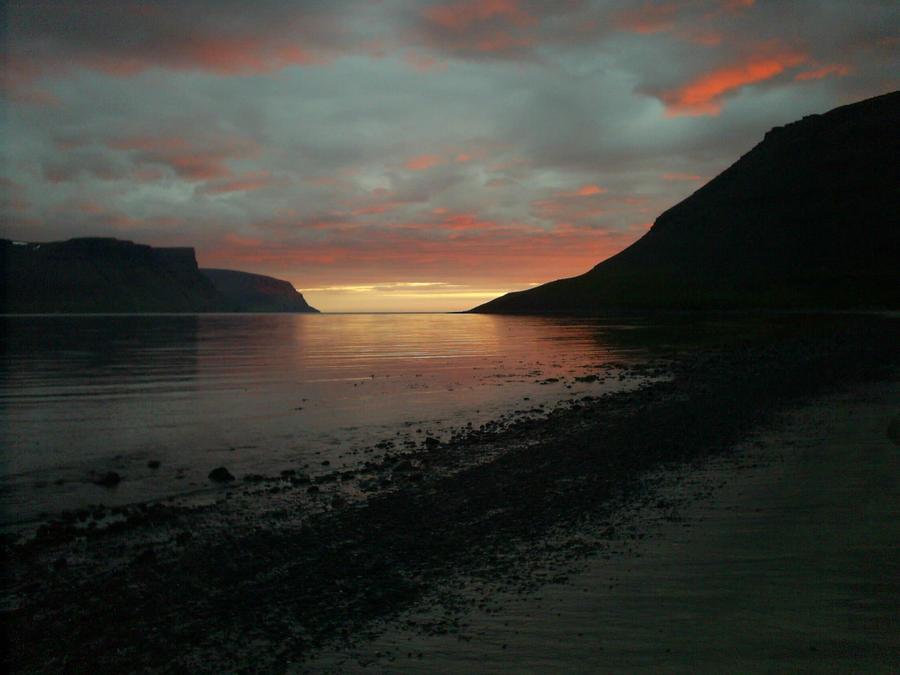 Sunset in Dyrafjordur by BattleDaughter