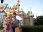 Flynn n Rapunzel Cosplay Kiss