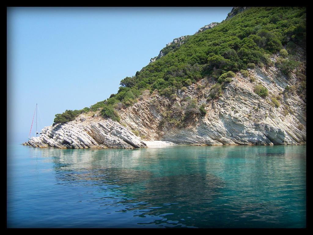 Greece coast by eduardschulze