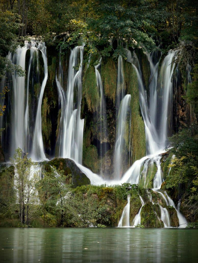 Plitvice falls by JurajParis