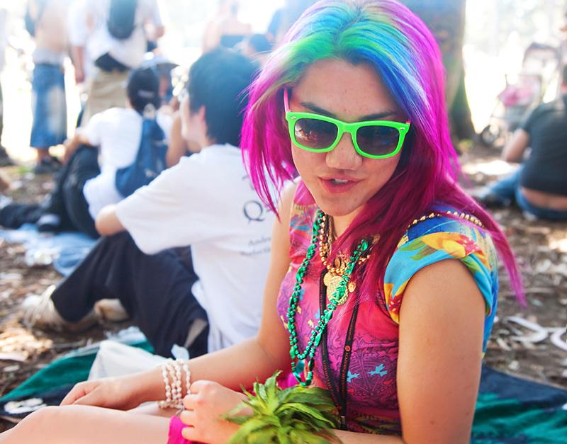 http://fc08.deviantart.com/fs42/f/2009/111/1/b/4_20_2009_san_francisco_ii_by_kikkums.jpg