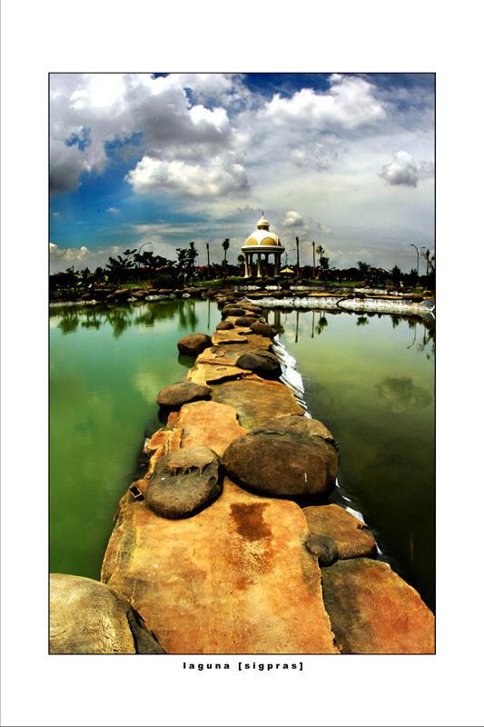 Laguna :2 by sigpras