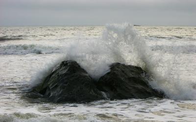 Crashing Wave by Stratification